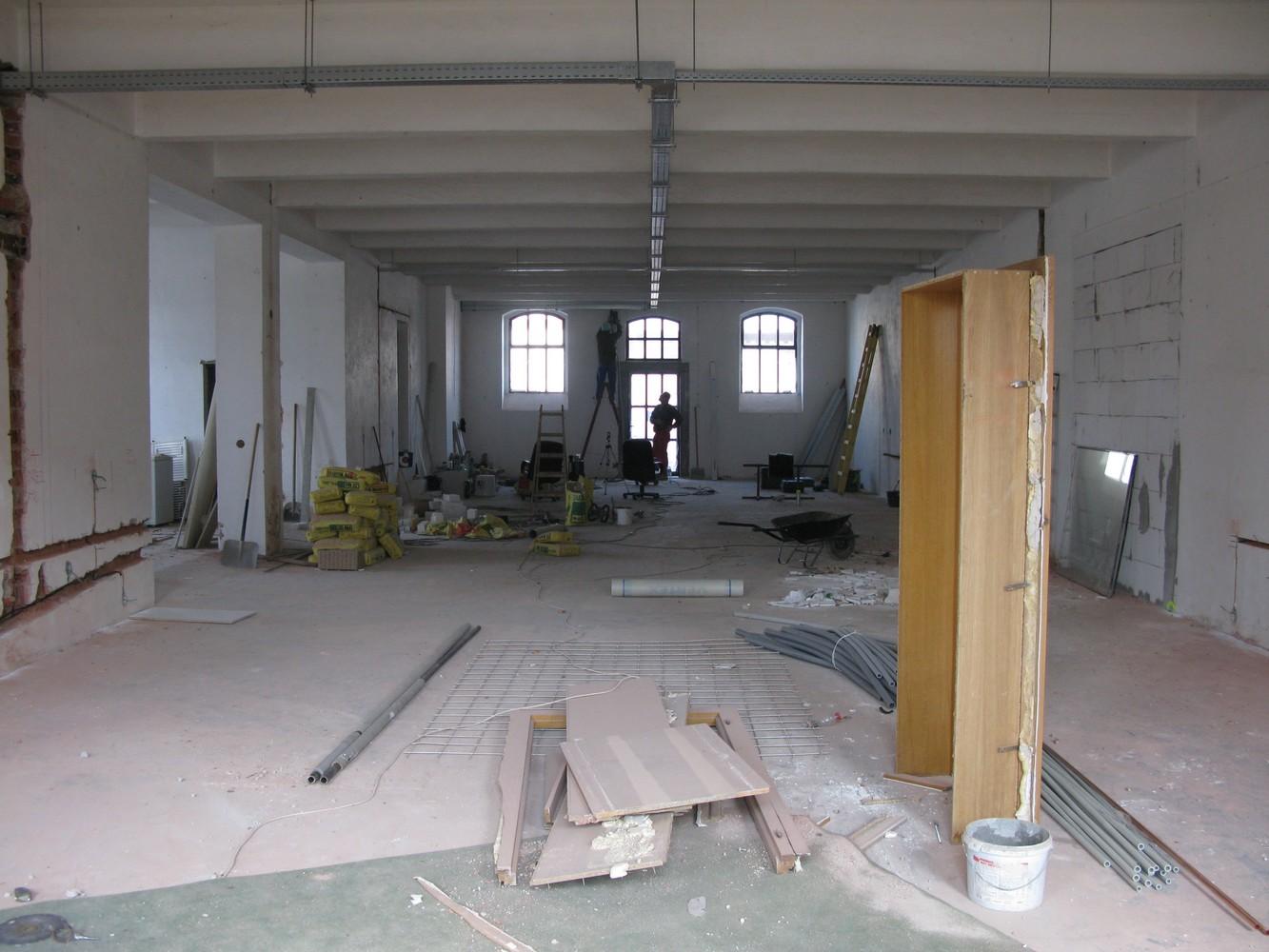 zahájení rekonstrukce demoliční práce