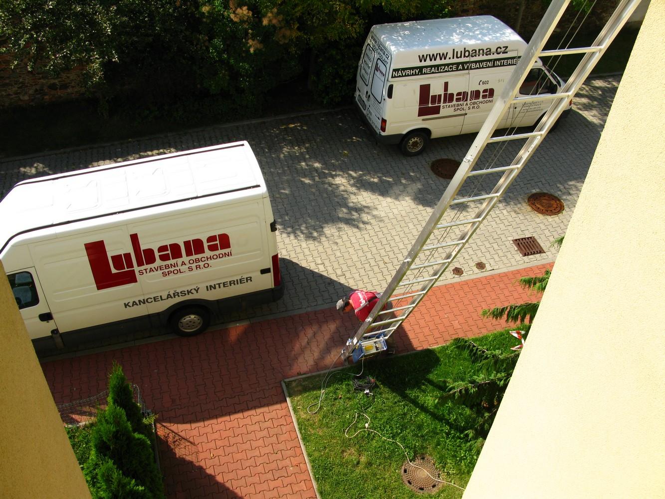 logistika stavby pomocí výtahového žebříku GEDA