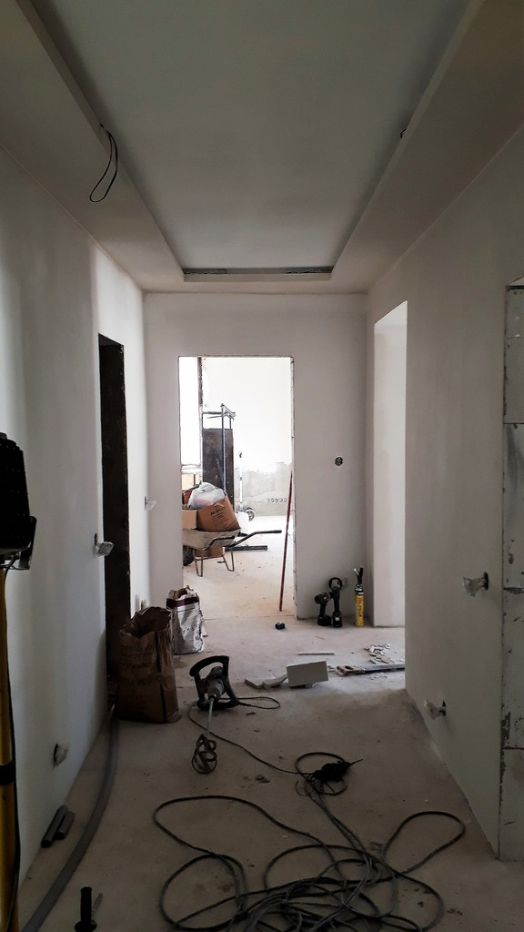 chodba bytu provádění povrchů