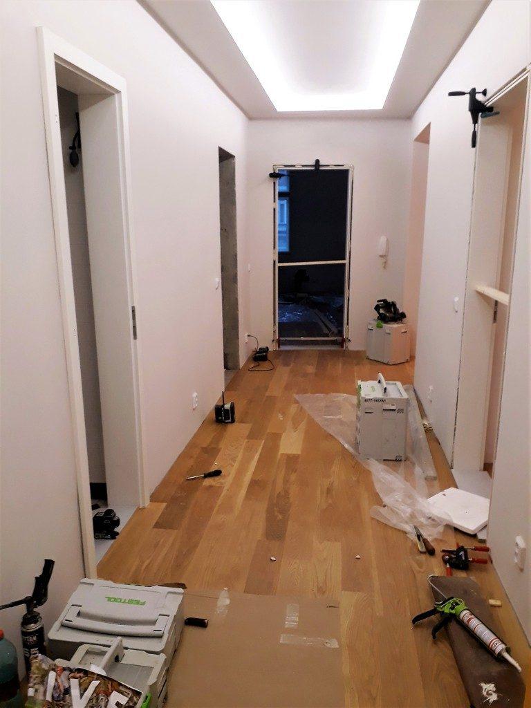 chodba bytu montáž obložkových dveří