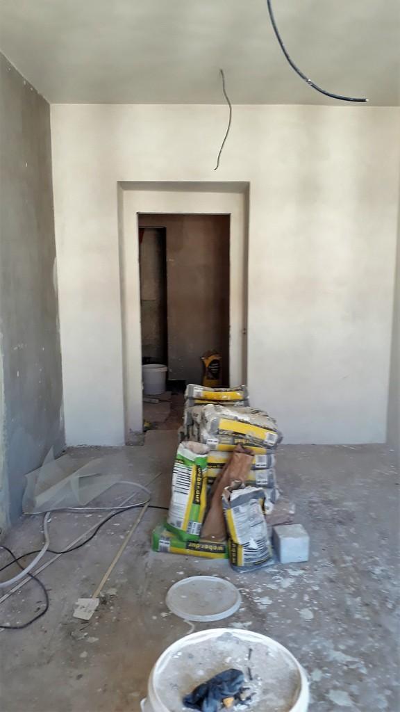 prostor ložnice bytu povrchy