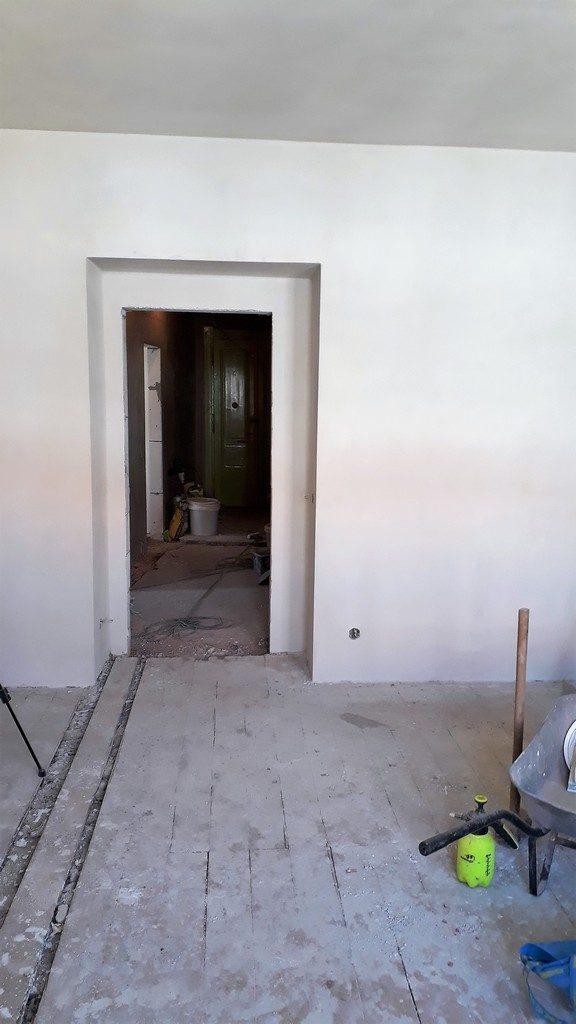 dětský pokoj bytu po rekonstrukci omítek