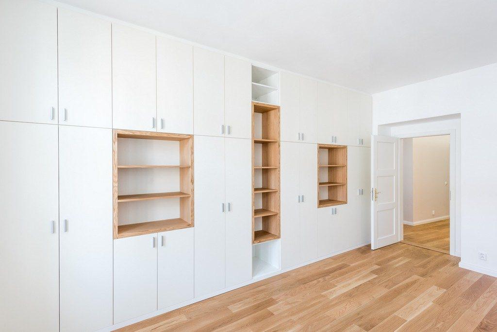 dětský pokoj bytu po rekonstrukci s vestavěnou skříní