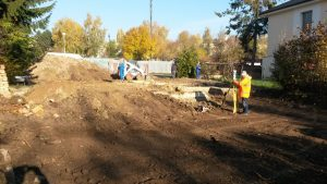 založení stavby rodinného domu zemní a geodetické práce