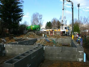 založení stavby rodinného domu betonáž bednění